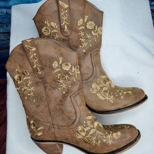 The Blossom Collection Brown Embroidered Boots 7.5